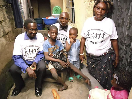 Partners visit one of the families of children with disabilities in Kinsenso (DRC)